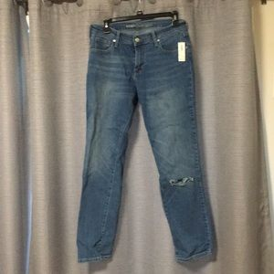 Short length mid rise straight jeans
